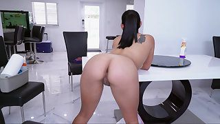 Curvy Latina cleaning the dwelling-place unclad