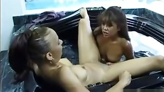 Horny Girls Soveig and Leanni Lei eat each other out