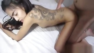 Thai Girl Gives An Blowjob Stimulation To Her Fond Guy